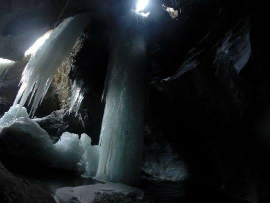 Versteckter Eisfall im Martelltal