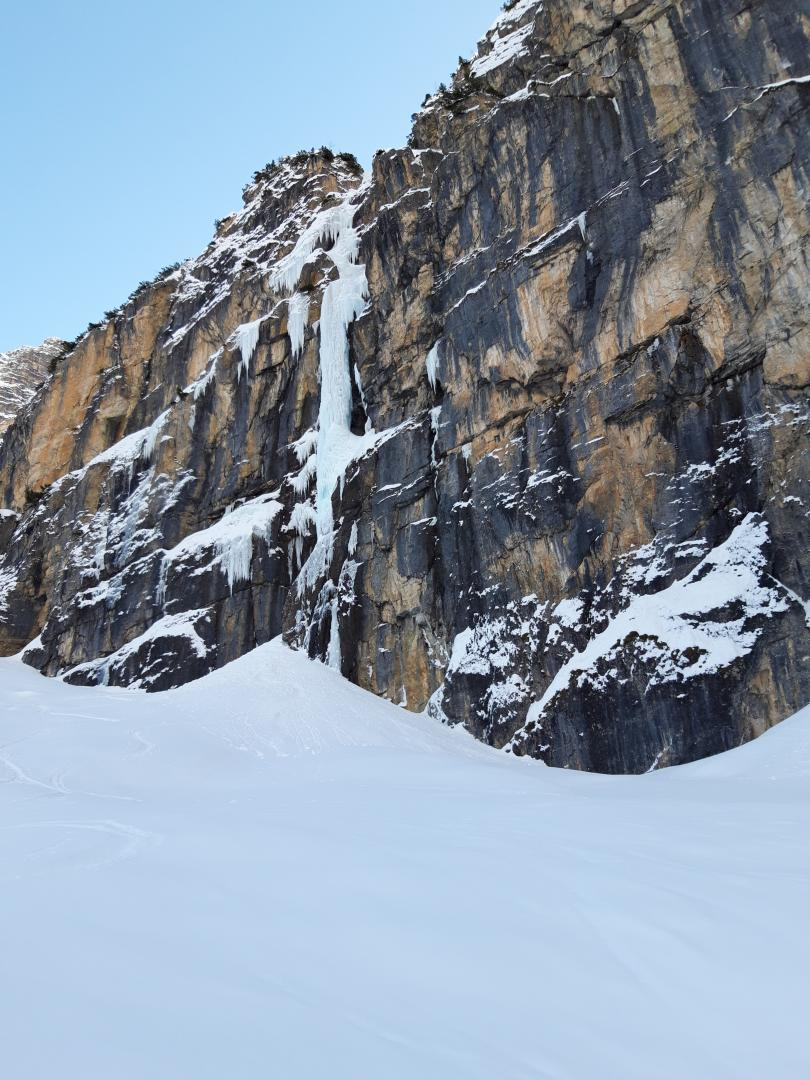 "Solo-Begehung des Eisfalls ""Männer ohne Nerven"", Pinnistal (Tirol)"